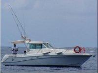 我们的船船海上捕鱼