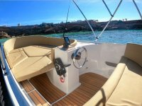 Navega en un exclusivo barco por Ibiza