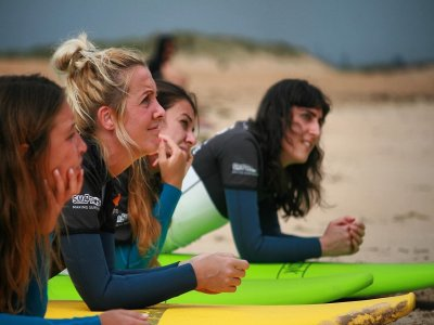 Women's surf camp at Somo beach