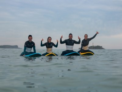 Surf class for groups 3 days in Somo beach