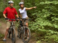 Disfrutando de una ruta en bici en pareja