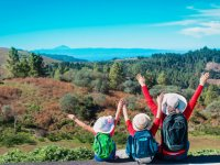 Haciendo trekking en familia