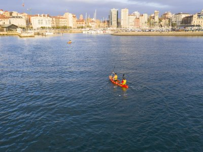 2-seater kayak rental in Gijón for 1 hour