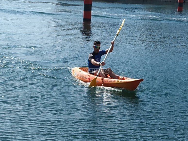 Rowing with individual kayak