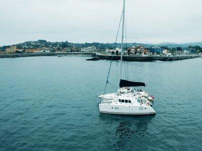 Paseo en velero con patrón por Gijón 2 horas