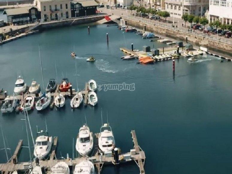 游艇码头的景色