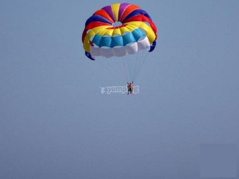 Avventura in paracadute ascensionale