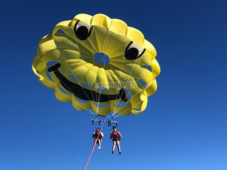 Paracadute ascensionale per due persone