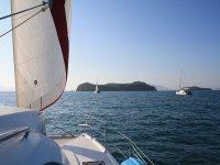 乘船前往贝尼多姆和米特里亚纳群岛