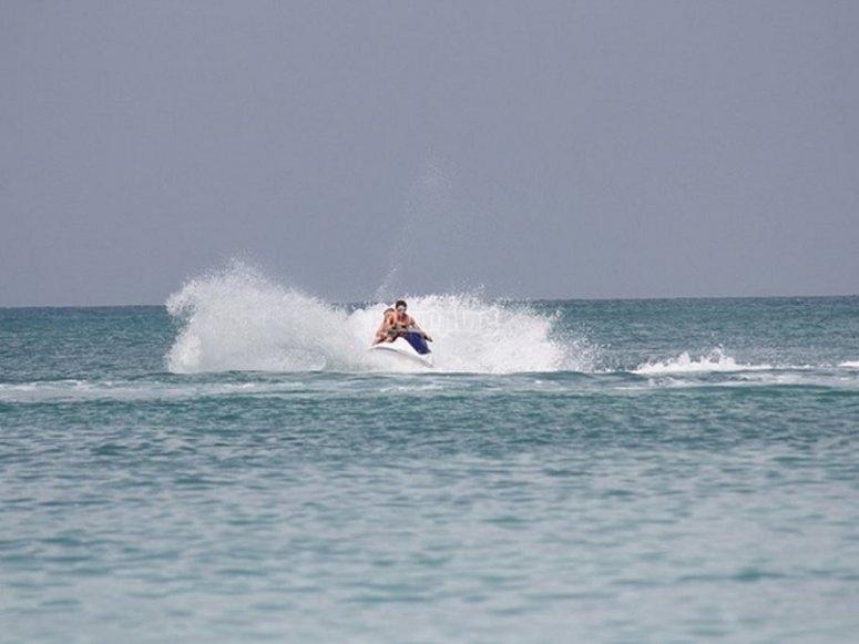 Surcando la playa de Levante