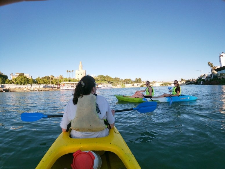 Tour by kayak by river in Seville