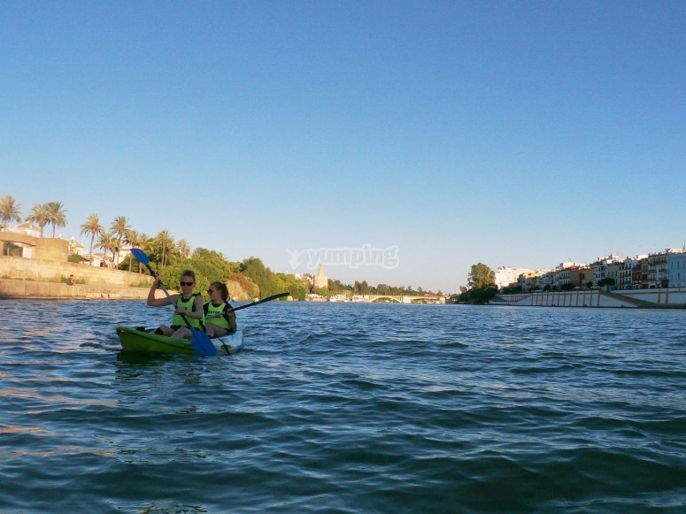 Tour Seville by kayak