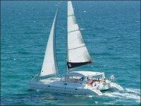 双体帆船享受我们的双体船船事件