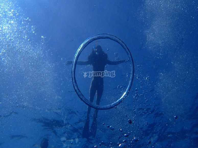 在塞拉赫拉达浮潜