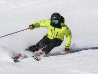 Disfrutando de una clase de esquí en Astún