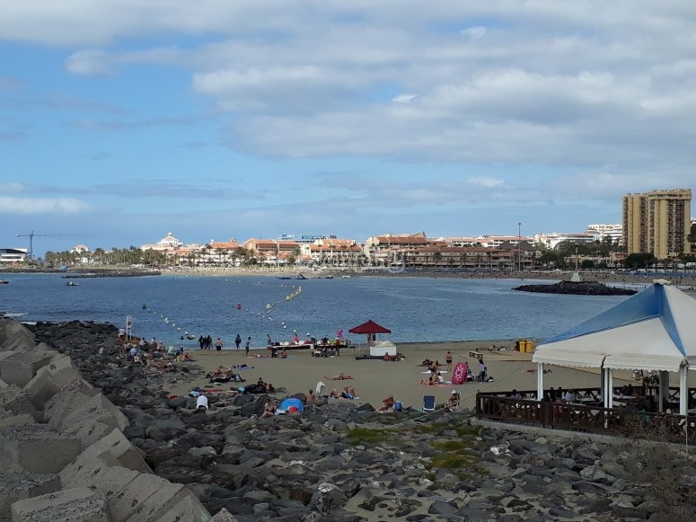 Attività acquatiche sulla spiaggia di Tenerife