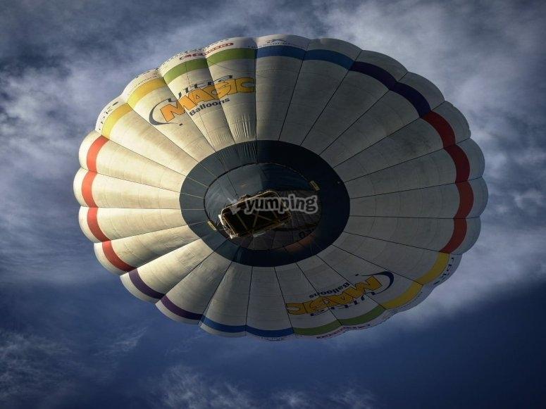 气球在上空