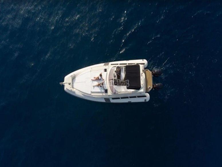 Experiencia marítima en yate