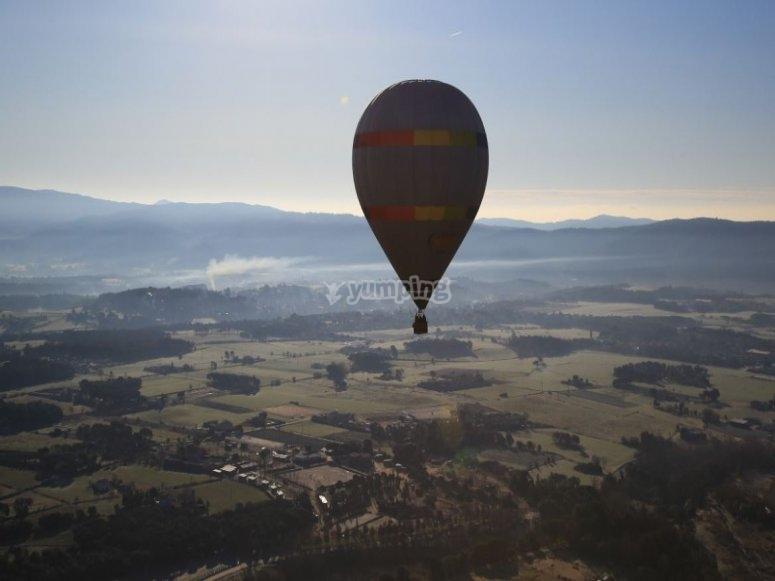 巴塞罗那附近的气球飞行