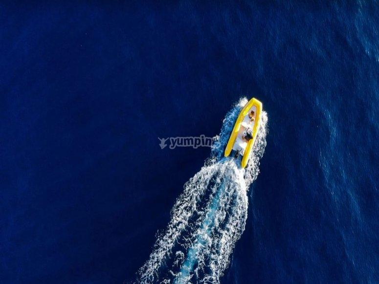 Vista aérea embarcación
