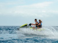 科隆港的滑水板和摩托艇