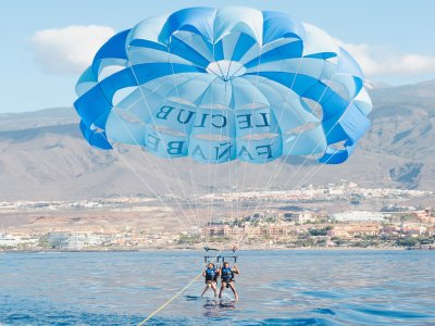 Parascending flyfish y ruta jet ski Puerto Colón