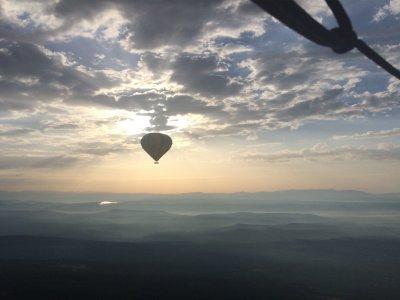 Volo in mongolfiera all'alba sopra La Segarra 1 ora