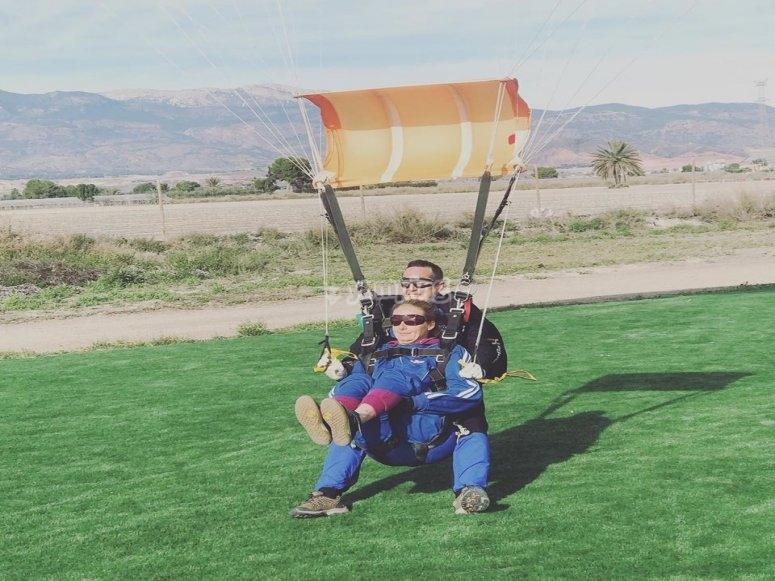 Regalo de paracaidismo día de la Madre
