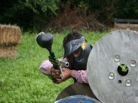 Disparos con la marcadora de paintball