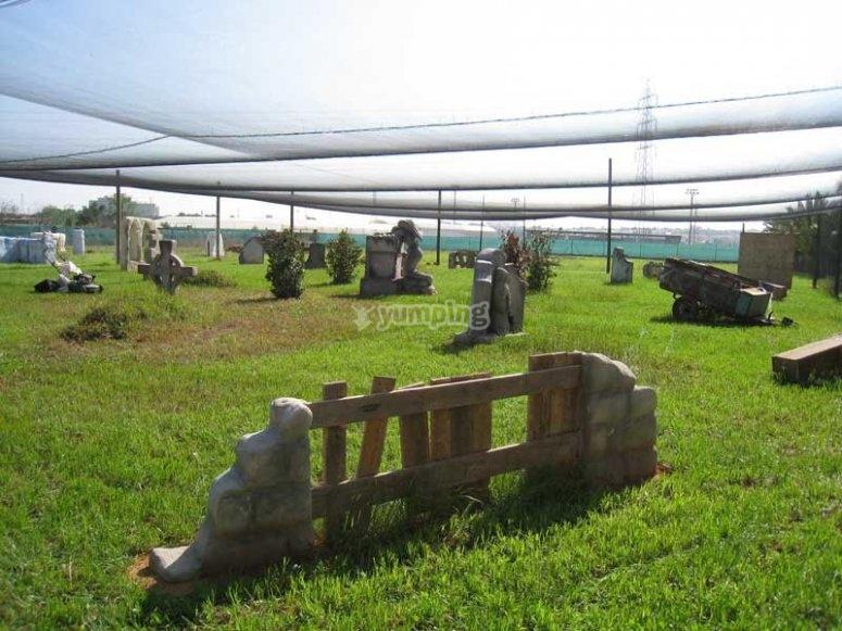 El cementerio para la partida de paintball