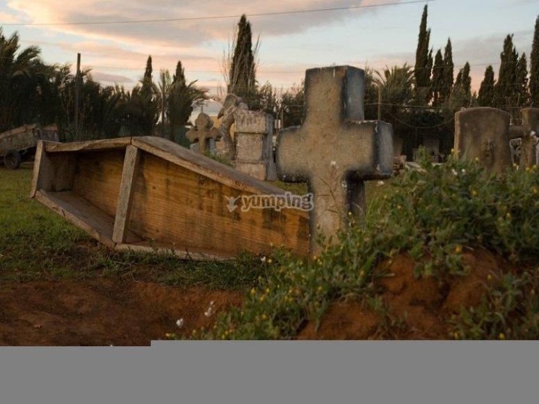 Cementerio para la partida de paintball