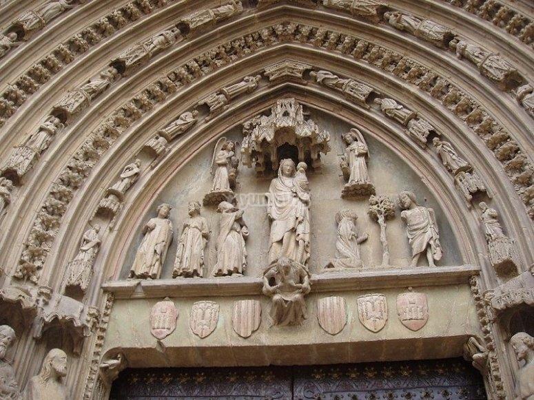 Detalles de la catedral aragonesa