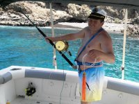 Mostrando el material de pesca