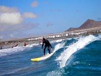 Haciendo surf por Lanzarote