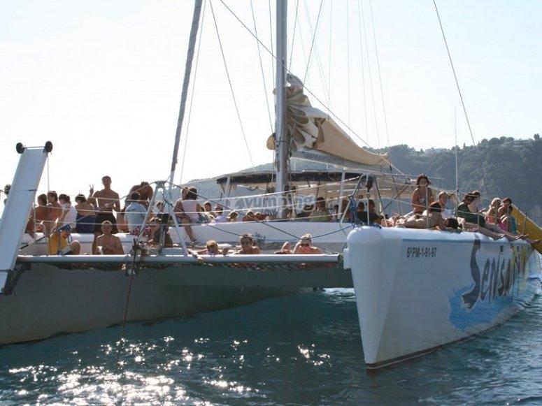 在地中海享受日光浴