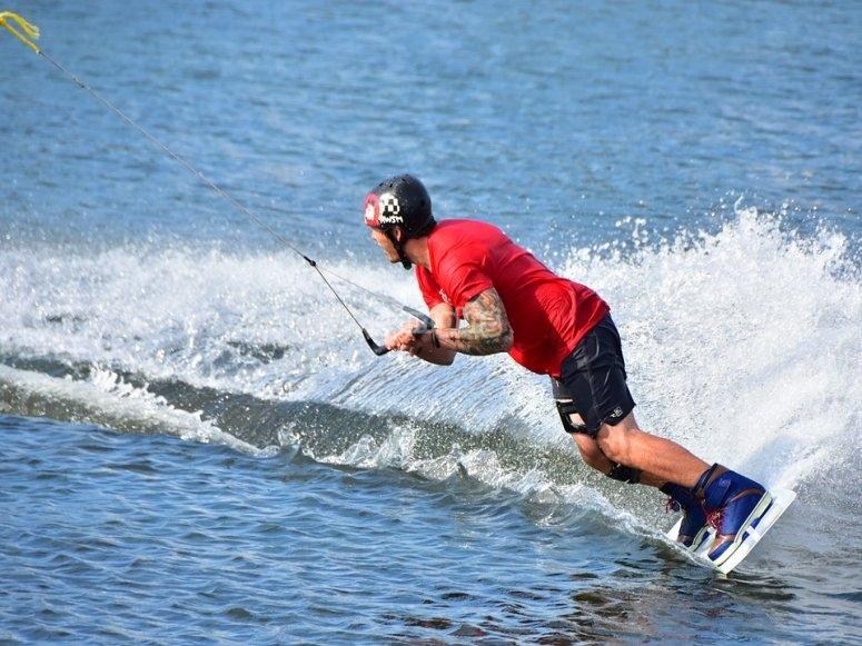 Giro con el wakeboard