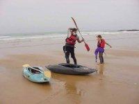 Monitor explaining how to use the paddle