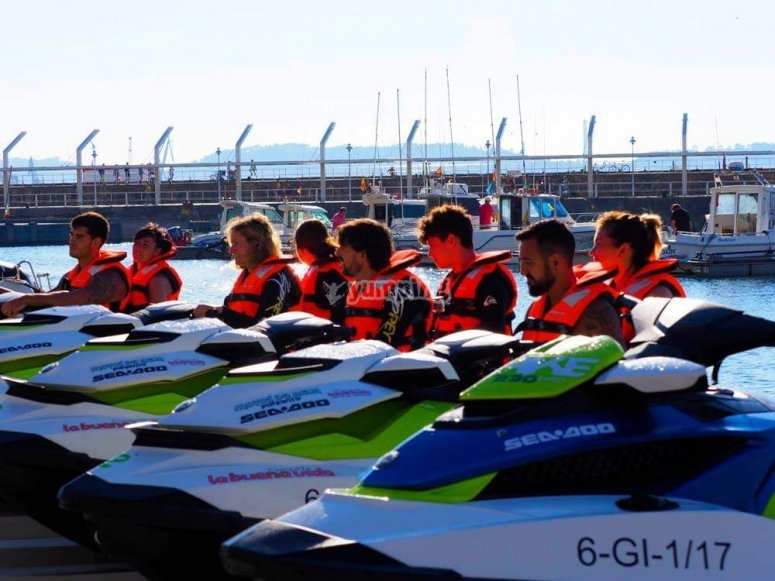 In Gijón's harbour with the jet skis