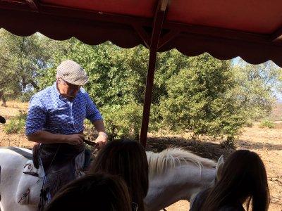 Visita ganadería brava para estudiantes en Sevilla