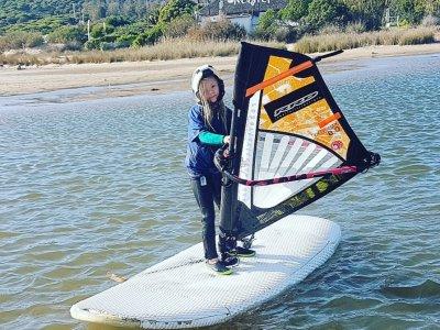 Noleggio attrezzatura da windsurf per principianti Tarifa 3h