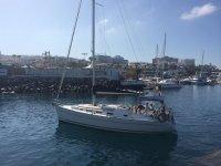Barco saliendo de puerto