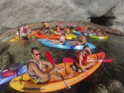 Ruta en kayak a Cala Higuera 2h30min