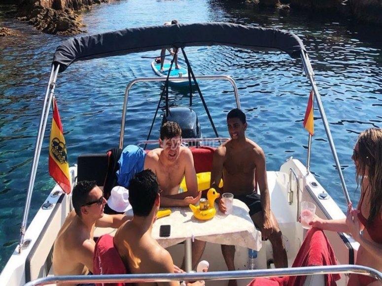 Con amigos a bordo todo es mejor
