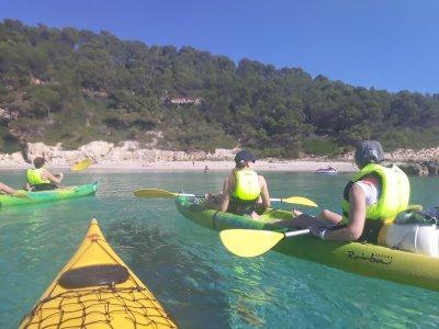 Ruta guiada en kayak a Cala Escorxada y snorkel 4h