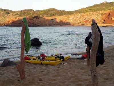 Tour en kayak a Cala Escorxada niños y snorkel 4h