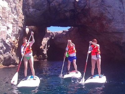 Tour guidato di paddle surf e snorkeling Cala Torret 3h