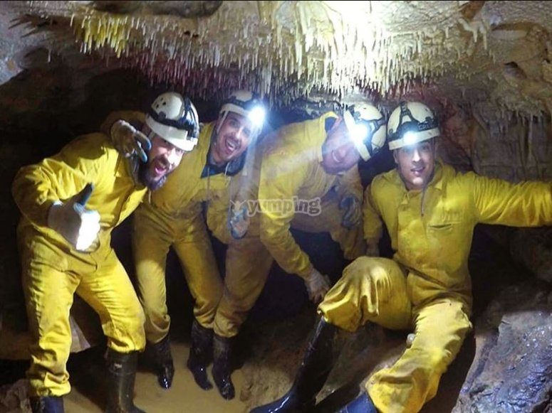Discovering the interior of the cave