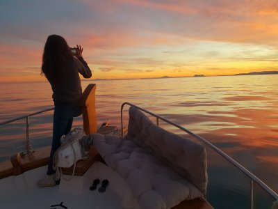 Paseo en barco con noche y desayuno en Estepona
