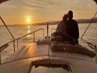 从船上看日落