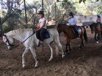 Comenzando el paseo a caballo